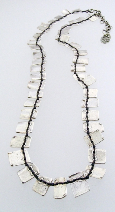 planks necklace